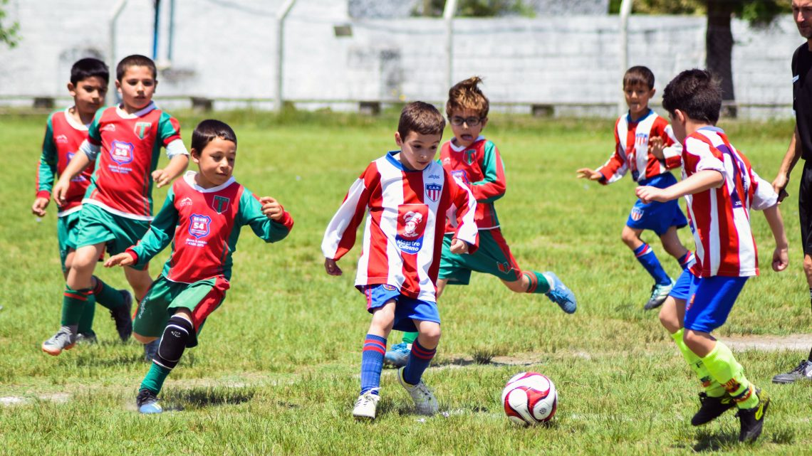 ONFI donó 4492 canastas a las nueve ligas de fútbol infantil de Colonia