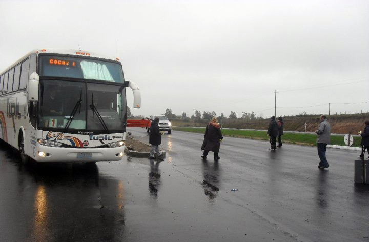 Usuarios de salud pública y docentes reclaman más frecuencias de transporte