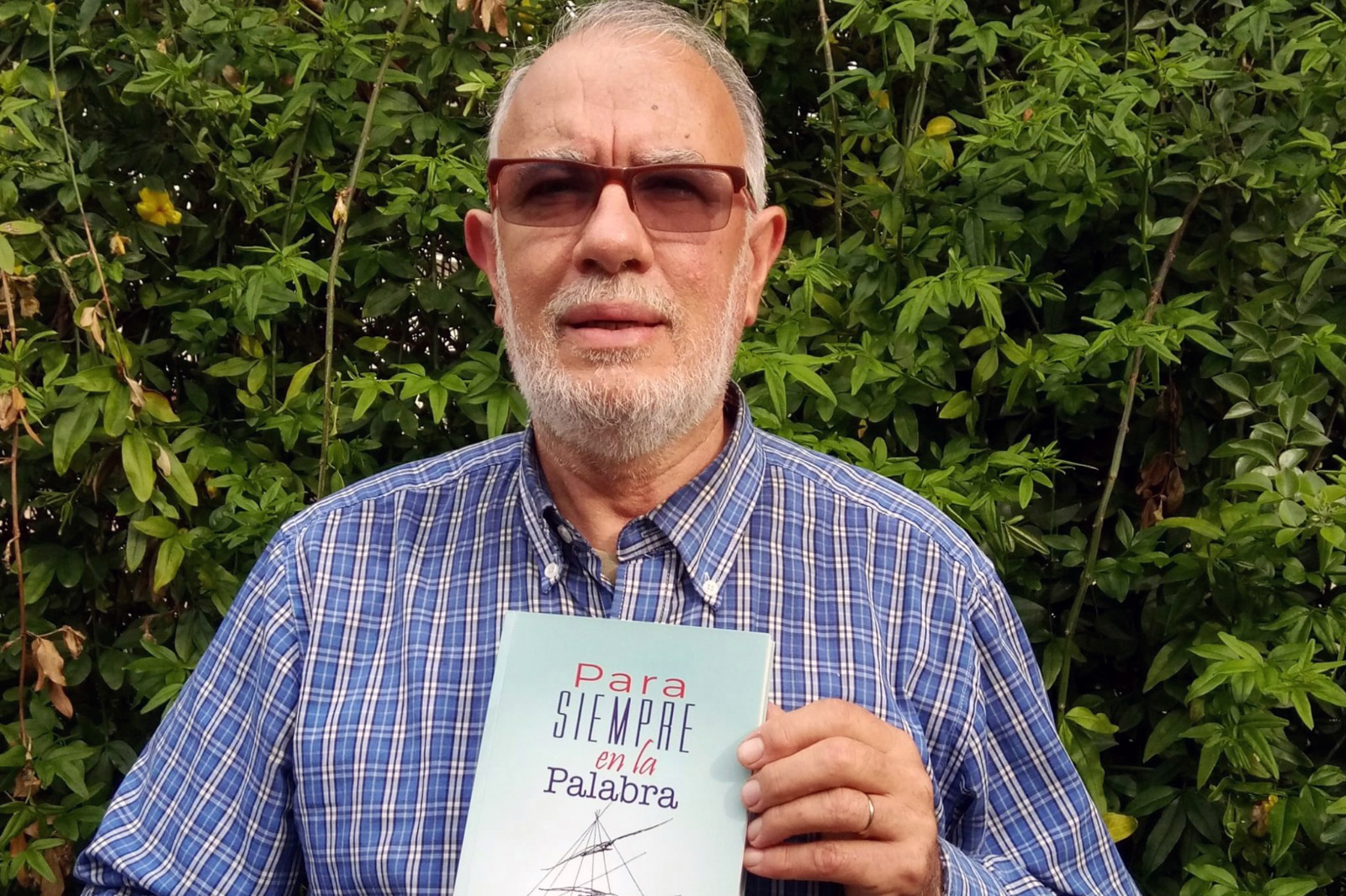 Miguel Castro Ramos: científico lacazino publica tercer libro de poesía